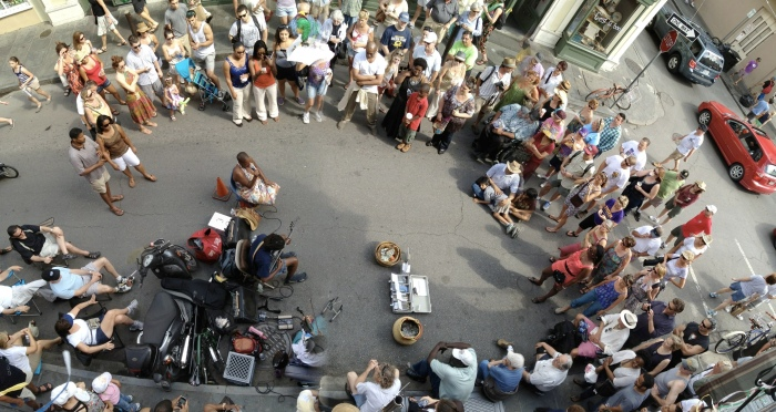 Street_musicians_and_audience_2012_New_Orleans.jpg
